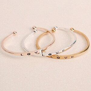 送料無料バングル ブレスレット 腕輪 LOVE ラブ 文字 ゴールド シルバー アクセサリー おしゃれ レディース 女性用 プレゼント