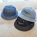 送料無料ハット ベビー 帽子 子供用 赤ちゃん 女の子 男の子 デニム ロゴ おしゃれ かわいい お出かけ お散歩 日除け ブルー