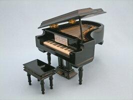 ピアノ(黒)