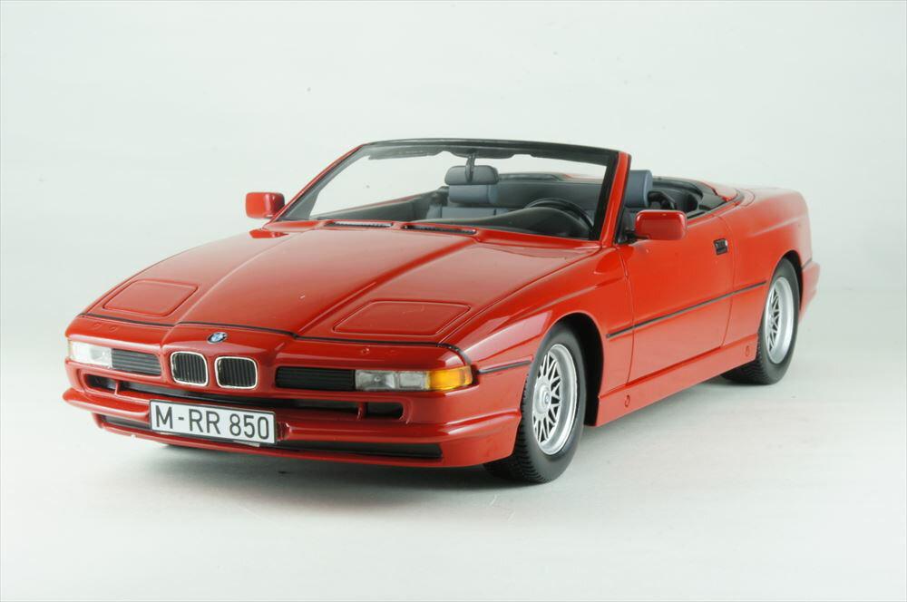 シュコー 1/18 BMW 850i カブリオレ レッド 完成品ミニカー 450006800