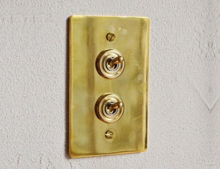 【真鍮プレートダブルスイッチ】真鍮 真鍮プレート ゴールド スイッチ 真鍮スイッチ アメリカンスイッチ かわいい ナチュラルインテリア フレンチカントリー カフェ風インテリア カントリー おしゃれ PSE