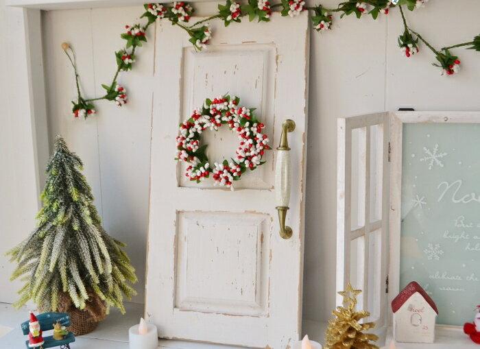 【クリスマスリース シャビーディスプレイドアとエレガントビーズリースホワイト&レッドのセット】クリスマスリース 雑貨 飾り 置物 グッズ クリスマス インテリア 飾り付け ミニリース 木製ドア 飾り棚 天然素材 かわいい ディスプレイ おしゃれ SPICE