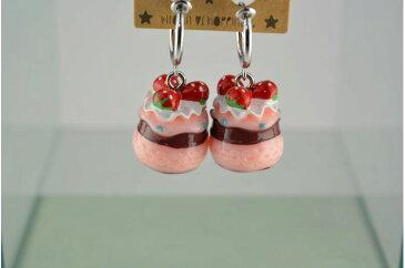 PEストロベリーケーキB MLT イヤリング フープ アクセサリー ケーキ スイーツ イチゴ 食べ物 モチーフ ファッション雑貨 ファッション小物 レディース キッズ ジュニア かわいい お揃い