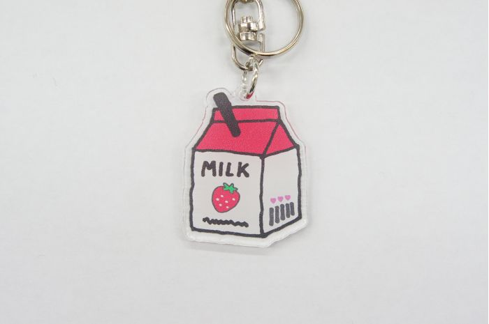KHミルクパック RD キーホルダー チャーム バッグチャーム 小中高生 女の子 ミルク型 牛乳 カワイイ オシャレ 鍵 鞄 個性的 キーホルダー おしゃれ かわいい バッグチャーム かばん チャーム レディース