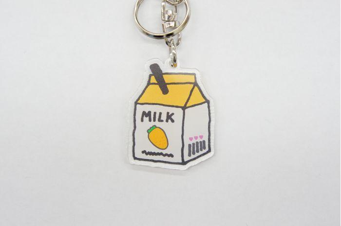 KHミルクパック OR キーホルダー チャーム バッグチャーム 小中高生 女の子 ミルク型 牛乳 カワイイ オシャレ 鍵 鞄 個性的 キーホルダー おしゃれ かわいい バッグチャーム かばん チャーム レディース