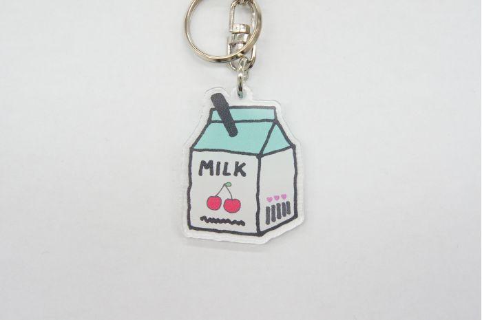 KHミルクパック GR キーホルダー チャーム バッグチャーム 小中高生 女の子 ミルク型 牛乳 カワイイ オシャレ 鍵 鞄 個性的 キーホルダー おしゃれ かわいい バッグチャーム かばん チャーム レディース