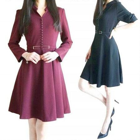 襟のデザインが上品なフレアワンピース、ベルトデザイン