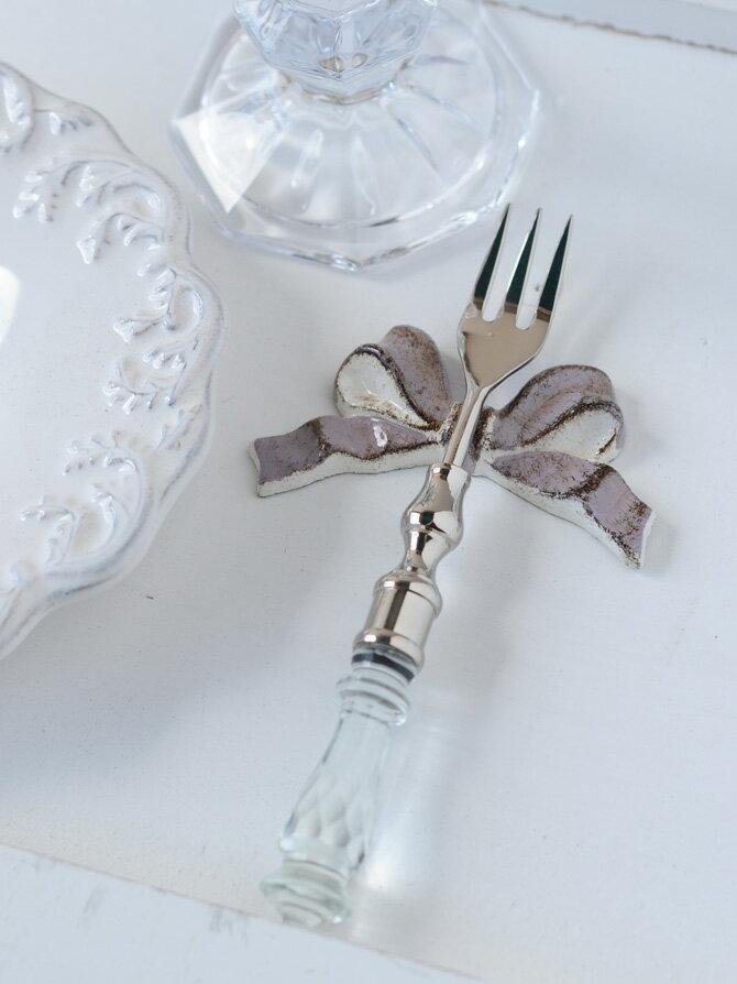 イタリア製の貴婦人風カトラリーレスト