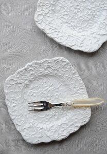 ミディアムケーキプレート ホワイトBlaueBlume【イギリス】