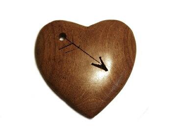 ウッドペンダントトップ/ストラップ〔WTPハート矢ダーク〕木製/メンズ・レディースアクセサリー