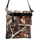ダセイン メンズ ボディバッグ・ウエストポーチ バッグ Tassel and Stud Accent Realtree Camouflage Messenger Bag Max4 Camouflage/Black