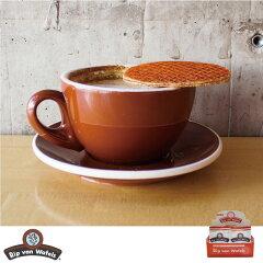 西海岸のカフェ、グローサリーで人気急上昇中のオールナチュラル&グルメなストロープワッフル...