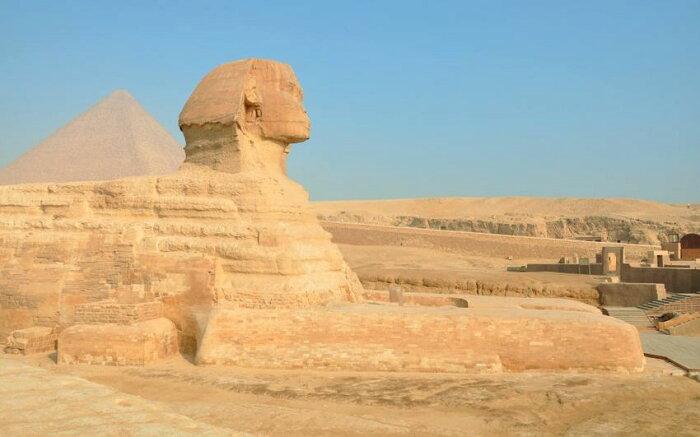 絵画風 壁紙ポスター (はがせるシール式) スフィンクスとピラミッド 古代エジプト 世界遺産 ピラミッドパワー キャラクロ ESFC-002W2 (ワイド版 603mm×376mm) 建築用壁紙+耐候性塗料 インテリア