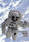 絵画風 壁紙ポスター (はがせるシール式) 宇宙飛行士 宇宙ステーション スペースシャトル NASA 天体 キャラクロ NAS-011A2 (A2版 420mm×594mm) 建築用壁紙+耐候性塗料 インテリア
