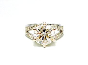 Pt900×ラウンドブリリアント大粒ダイヤモンド3.08ct×脇石ダイヤモンド20ps プラチナダイヤモンド指輪レディースリング