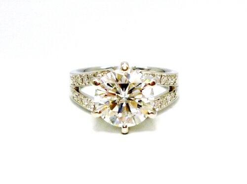 Pt900×ラウンドブリリアント大粒ダイヤモンド3ct×脇石ダイヤモンド20ps プラチナダイヤモンド指輪レディースリング