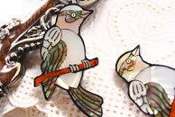 【シェルパーツ】枝の小鳥1個/貝殻で作られたオールハンドメイドのシェルカボション/手芸やアクセサリーのモチーフパーツに…/30mm×55mm