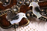 【シェルパーツ】ペンギンS1ペア(左右一対)/貝殻で作られたオールハンドメイドのシェルカボション/手芸やアクセサリーのモチーフパーツに…/8mm×18mm
