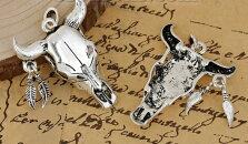メタルチャーム1個パック牛の骨型(アンティーク風)/アクセサリーチャームアクセサリーパーツハンドメイド材料/56mm×39mm