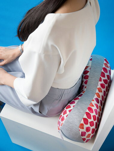 【あす楽】Jimufab骨盤ホールドクッション[クッション腰痛対策座布団骨盤矯正オフィス用デスクワークオフィス椅子背もたれオフィスチェア背当てクッション低反発かわいい骨盤クッションいす美姿勢姿勢矯正腰あてジムファブ]