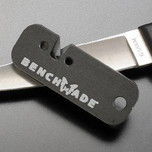 蝴蝶蝴蝶砂輪,板凳作出 minisharpner 983903F 和油磨水車輪斯通 knifesharpner 觸摸起來簡單砂輪