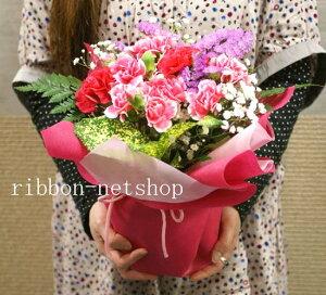 まるで鉢植えみたい!花瓶いらずのそのまま飾れるブーケ♪【送料無料】カーネーションと季節の...