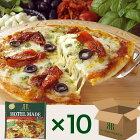 モッツァレラチーズとバジルのトマトソースピッツァ