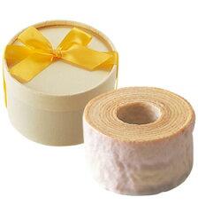 伝統的な素材の配合と高い技術により生まれましたパティスリー キハチ バームクーヘン