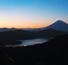 アートと温泉を楽しむ箱根巡りの小旅行。リンベル<コトギフト>セレクション [神奈川・箱根...
