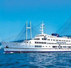 世界に誇るみなとみらいの景色を海上から大パノラマで堪能。リンベル<コトギフト>セレクショ...