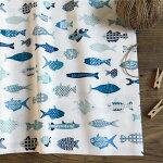 魚プリント生地【10cm単位の切売り】ARTGALLERYFABRICS/SchoolofFish/USAコットン(AGF-CTR-24900)