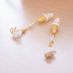 【送料無料】フリルタッセル ホワイト エレガント 耳栓 おしゃれ耳栓 旅行にぴったり 耳栓 おしゃれ耳栓 可愛い耳栓 コスチューム