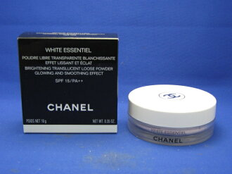 Chanel white sunshielloose powder [at more than 20,000 yen (excluding tax)]