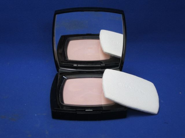 Chanel poodleuniversercompact 507 [at more than 20,000 yen (excluding tax)]
