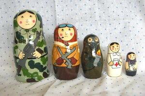 ロシアが認めた日本人デザインのマト迷彩服のアーミーマトリョーシカ【マトリョーシカ】