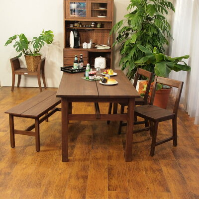 アジアンスタイル家具アクビィナチュラルテイストにもおすすめな木製ダイニングセットです。