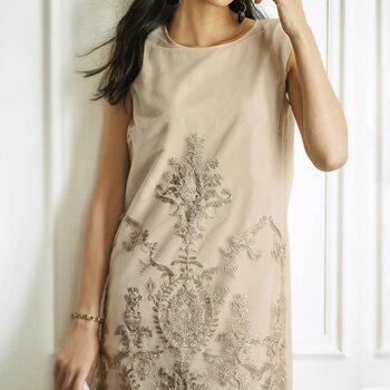 チュール刺しゅうサックドレス