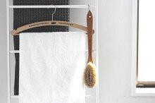 「イリス・ハントバーグ柄付きボディブラシソフト」【ボディブラシ馬毛ハンドブラシ天然毛体洗いボディケアバスグッツバスルームお風呂】