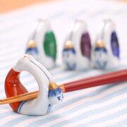磁器製の箸置き面白いかたちのお箸置き体操唐子【メール便選択可】<京都匙亀>
