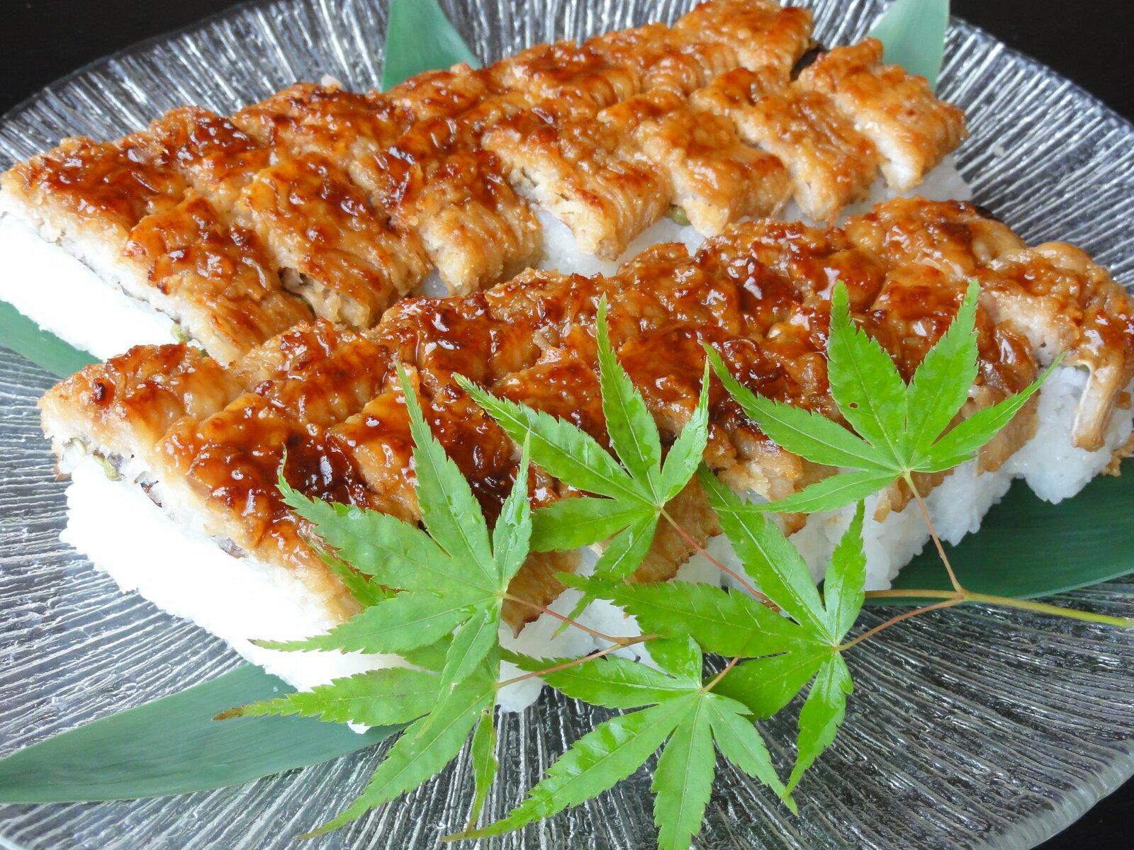 お中元に最適のハモ姿寿司(店主厳選こだわりの瀬戸内近海産活ハモ使用)高級感溢れるこだわりの品