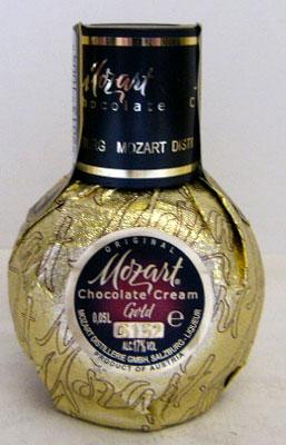 50 ml of Mozart chocolate cream liqueur miniature 17 degrees