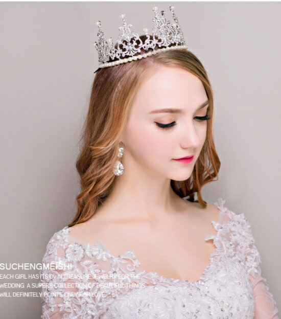 ティアラパールデザインアクセサリーギフト彼女誕生日プレゼント妻女性レディースパティー結婚式発表会首飾りウエディング王冠豪華クラウンお姫様ブライダル真鍮