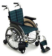 驚異の小回りが実現、スキットの6輪仕様[ミキ] 自走用アルミ製6輪車いす スキット5 SKT-5