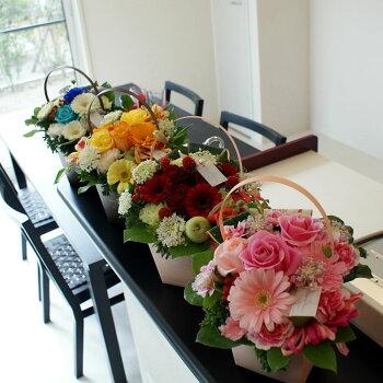 カラーで選ぶ季節のお花のアレンジメント