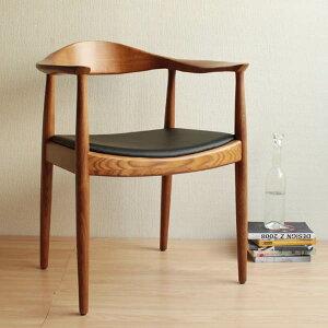 世界一美しい椅子と評されたハンス・ウェグナーデザインの最高傑作。高品質な仕上がりは最高レ...