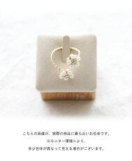 二輪に連なる小粒パールの花