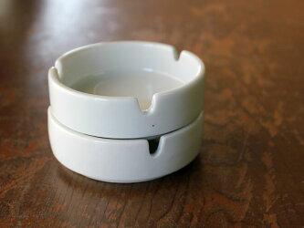 白い灰皿(小)