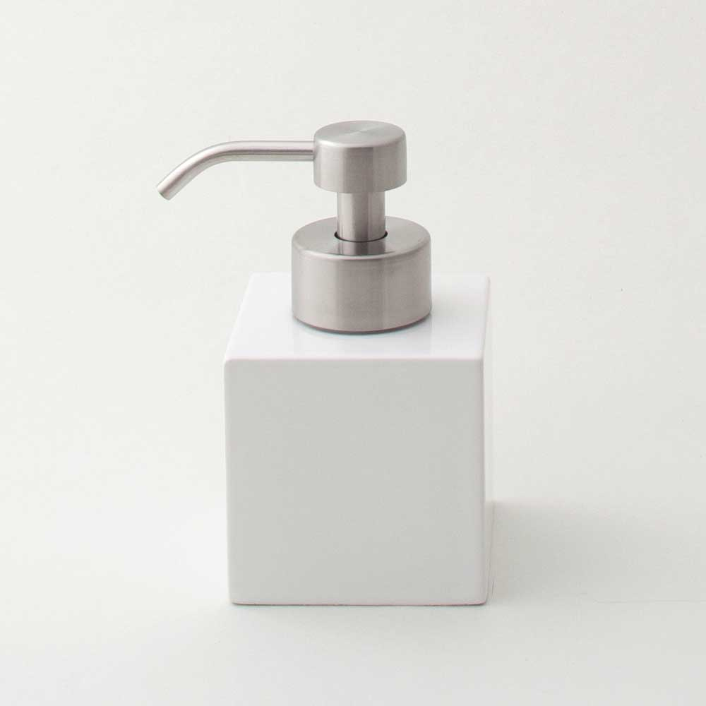 sarasa designのコロンとしたキューブ感がかわいい押すだけでキメこまかな泡を作れるセラミック製ソープディスペンサー