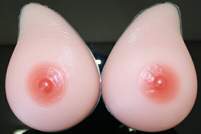 【税抜5000円以上で送料無料 】人工乳房 シリコンバスト 女装にもXMSM1000 人工乳房 左右で1000...