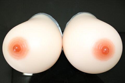 人工乳房 超軟らかめにつくり手触りがよりリアルになりました。左右で1800g Hカップ シリコンバスト 人口乳房 シリコン製バスト高級人工乳房/シリコンおっぱい/女装/ 【乳がん】/by1800 02P05Dec15